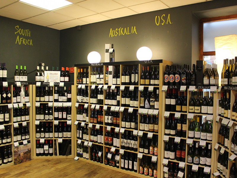 Ann et Vin Wine Shop in Newark has an excellent selection of New World wines for you to choose from.